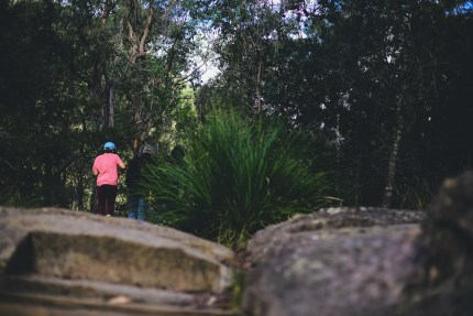 sydney photographer - family walking at park