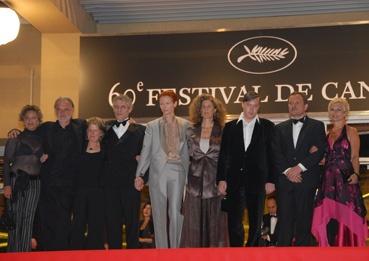 l'équipe du film autour de Bela Tarr