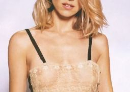 naomi_watts_lace_top.jpg