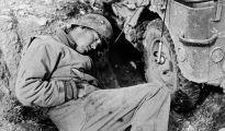 1944_soldato-americano-caduto_robert-capa