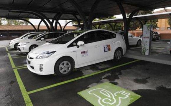 Via col Verde: a Roma le emissioni hanno un grande nemico, i taxi