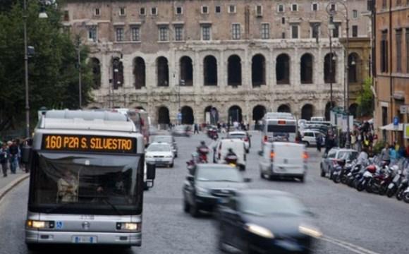 Roma combatte l'inquinamento con le targhe alterne