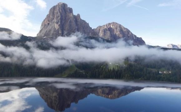 La Carovana delle Alpi fotografa l'Italia con bandiere verdi e nere