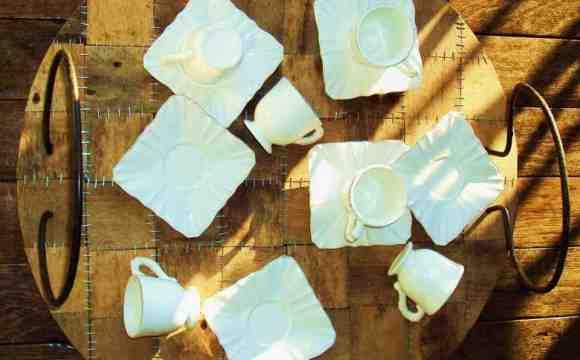 Restyling del guardaroba, finiture shabby, trasformazione delle cialde in gioielli e dell'olio usato in sapone: il riciclo è chic a Giacimenti Urbani