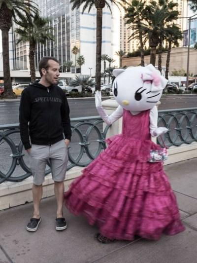 """... jdu za touto známou postavičkou, ale Hello Kitty mně rovnou fuckuje a říká """"nic pro Tebe nemám, kámo!"""" ..."""