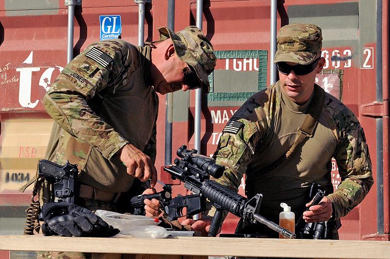 US Army Sgt Robert P Jones, left, and Sgt Brian C Thomas, both