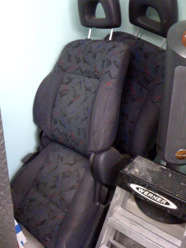 RAv4 seats