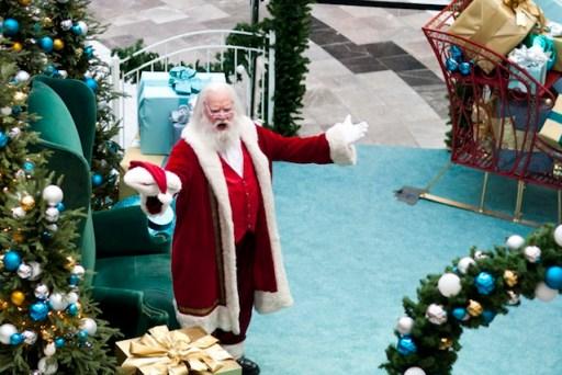 Santa Claus Sings Musical - Improv Everywhere