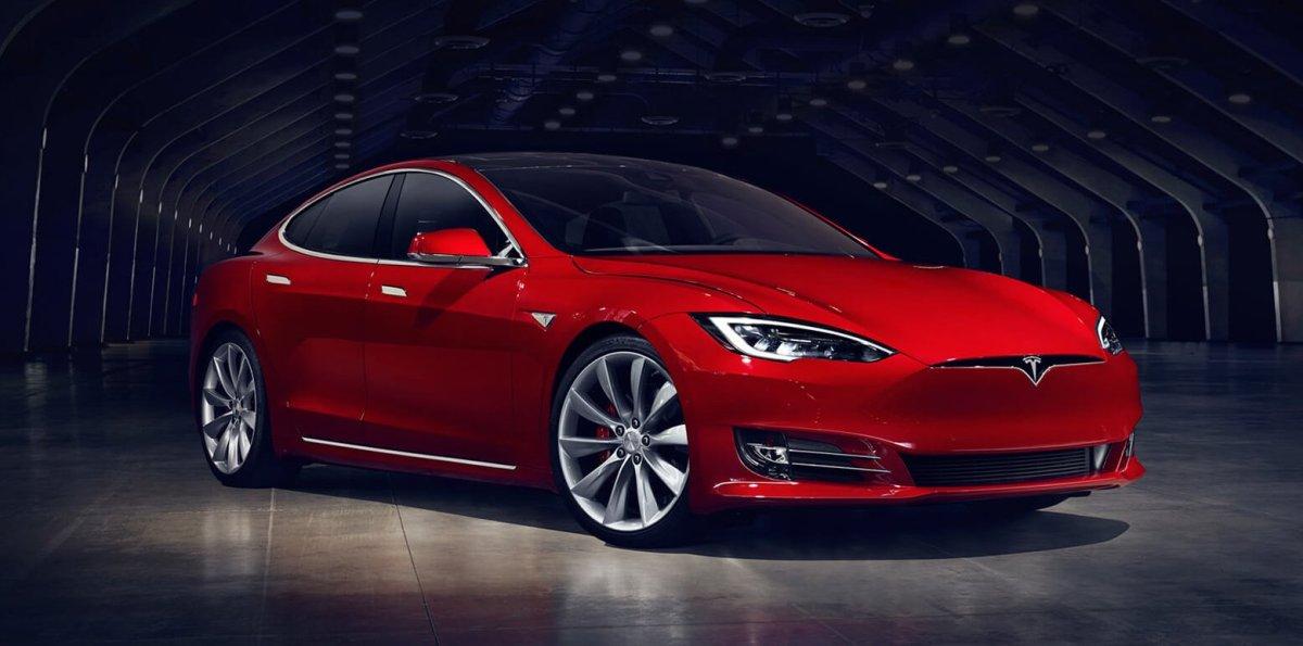 Tesla Model S, all-wheel drive car