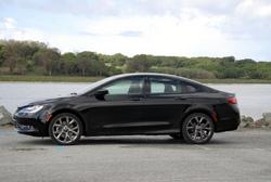 Chrysler,200,sedan,AWD,fuel economy