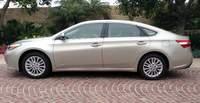 Toyota Avalon - sleek looks