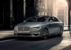 2017,Lincoln,MKZ Hybrid,styling,technology