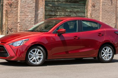 2016,Scion,iA,mpg,fuel economy
