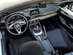 2016, Mazda MX-5,Miata,interior,space constraints