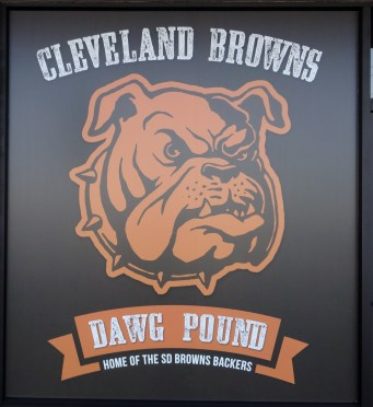 SD Browns Backers Sign