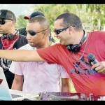 Delano and DJ Smoke at the turntables