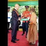 Bunny Wailer receiving his award at Kings House