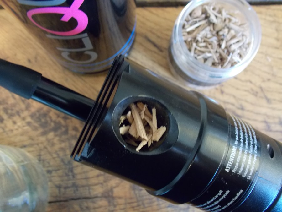 Smoked cocktails: Load the smoking gun chamber with wood chips