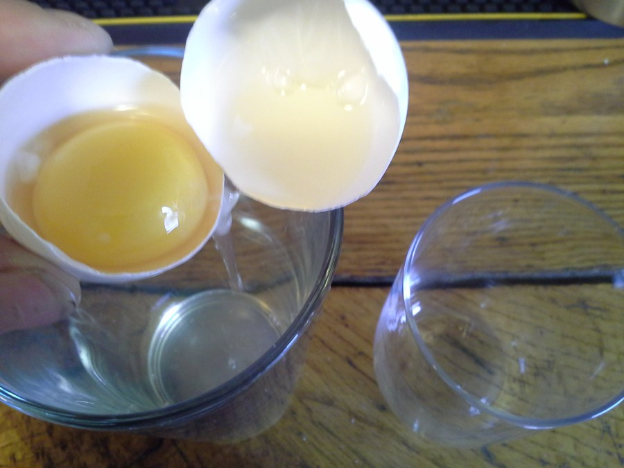 How to separate eggs for egg white cocktails