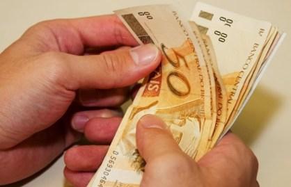 Resultado de imagem para Estado paga primeira parcela do 13º salário dia 30 de novembro
