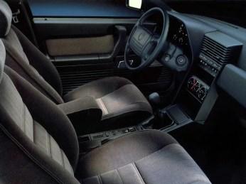 Alfa-Romeo-164-Wnetrze-1-299395