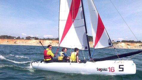 cours-catamaran-mine-d'or-centre-nautique-penestin-ados-adultes