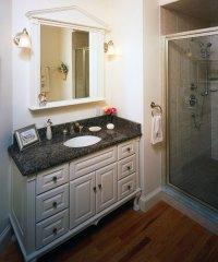 Kitchenbathroom - william morris wallpaper
