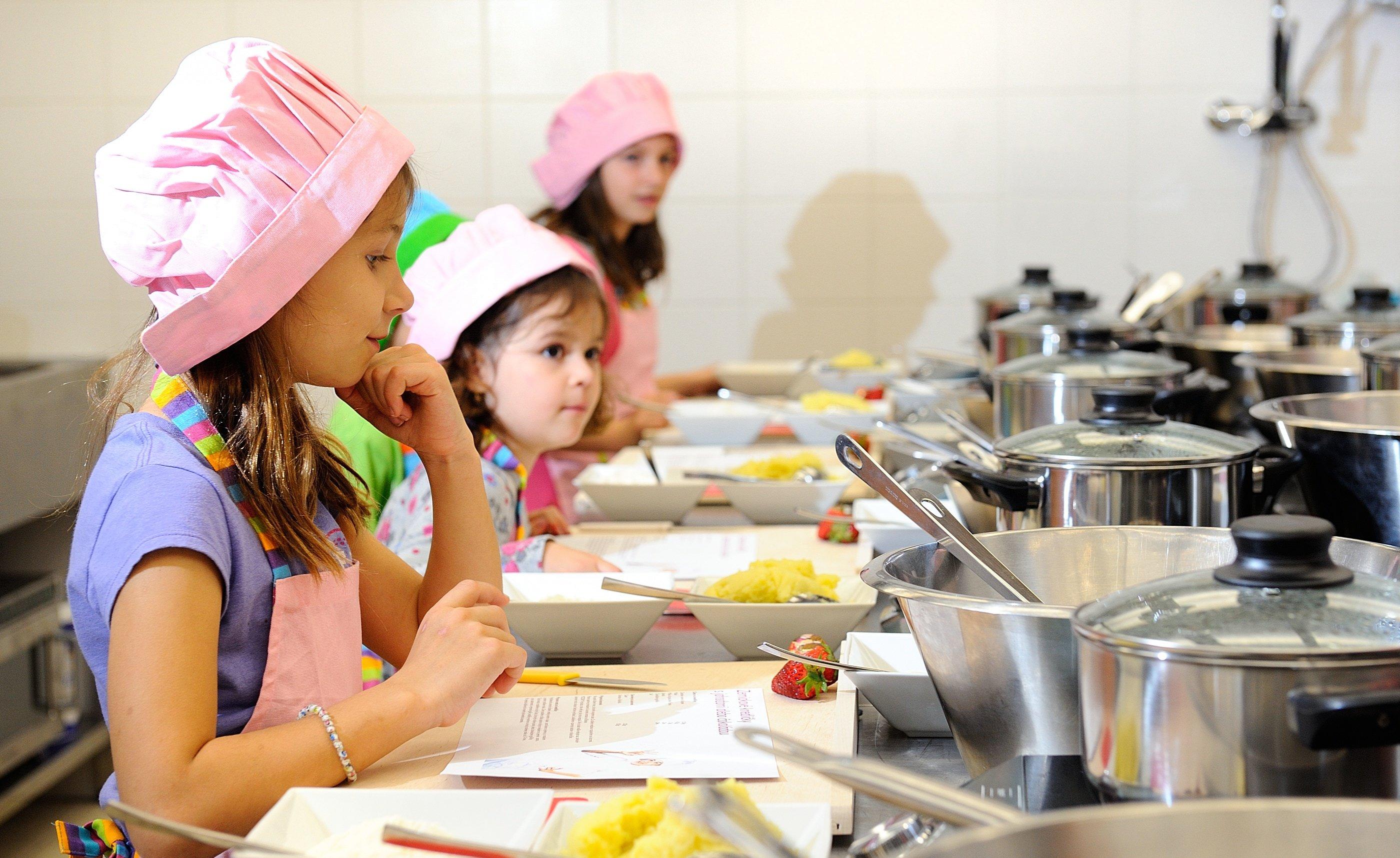 Cocinar con ni os una actividad para toda la familia for Cocinar una tarde para toda la semana