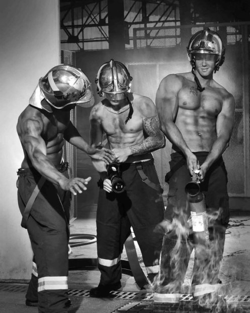 2017-french-firefighters-calendar