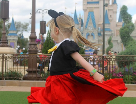 cocktails-in-teacups-disney-life-travel-parenting-blog-10-things-i-must-do-while-at-walt-disney-world-hub-grass
