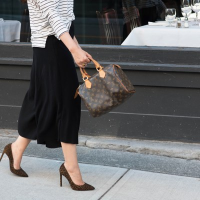 coco-and-vera-best-vancouver-fashion-blog-best-canadian-fashion-blog-top-blogger-outfit-details-madewell-stacked-rings-louis-vuitton-speedy-25-aritzia-culottes-yves-saint-laurent-leopard-pumps