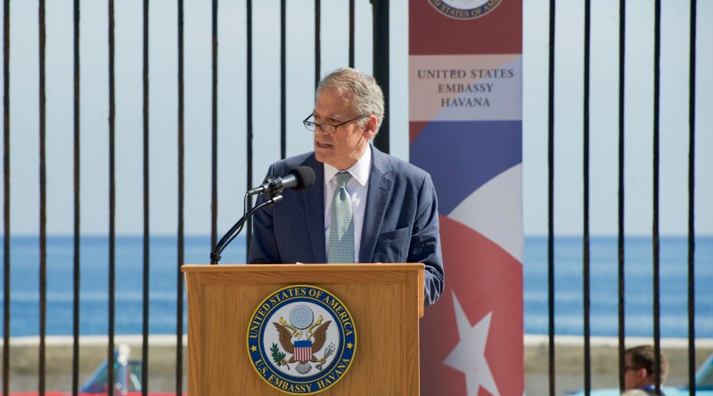 ambassador_delaurentis_introduces_secretary_kerry_to_speak_and_preside_over_the_flag-raising_ceremony_at_the_newly_re-opened_u-s-_embassy_havana_20385822459