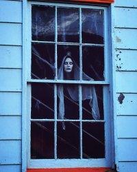Weirdly Attractive 20+ Halloween Window Decor Ideas ...