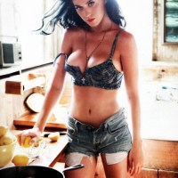 The art of creating popular music criticism in 2012 | 50 REALLY HOT PHOTOS OF KATY PERRY TOPLESS*