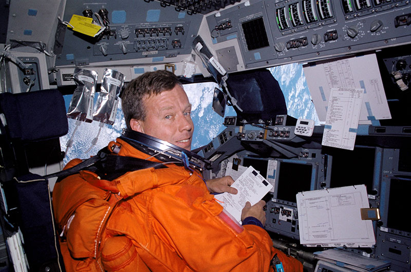 Four space shuttle fliers to be inducted by Astronaut Hall of Fame