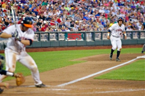Kenny Towns leads off third base. (Photo: Shotgun Spratling)