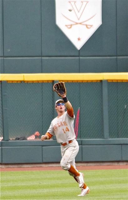 Ben Johnson runs down a ball in LF. (Photo: Shotgun Spratling)