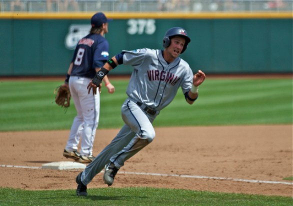 Brandon Downes hustles around third. (Photo: Shotgun Spratling)