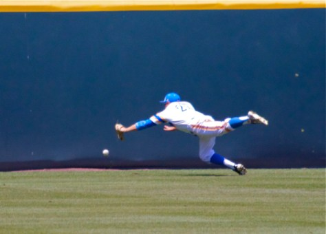 Ty Moore can't make a diving catch. (Photo: Shotgun Spratling)