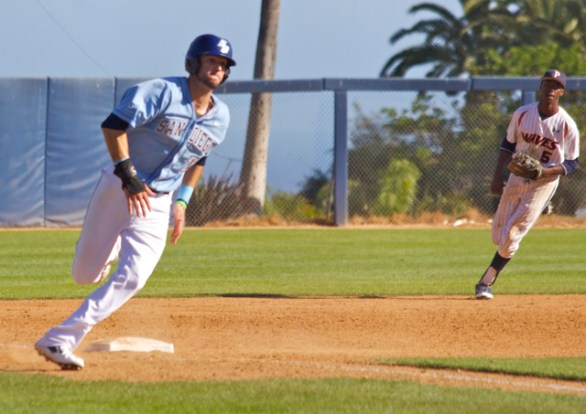 Louie Lechich digs for home with the go-ahead run. (Photo: Shotgun Spratling)