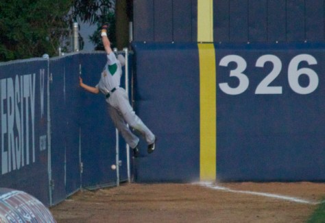 Matt Sinatro can't make a leaping catch. (Photo: Shotgun Spratling)
