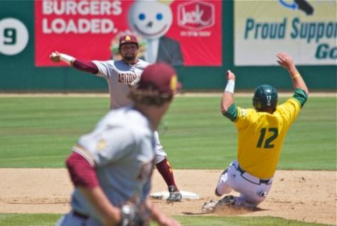 Drew Stankiewicz tries to turn a double play. (Photo: Shotgun Spratling)