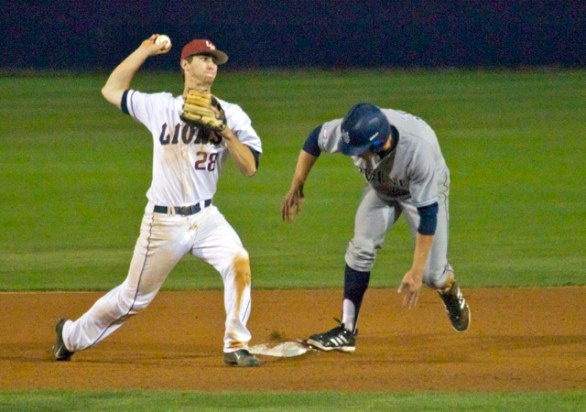 David Edwards turns an inning-ending double play. (Photo: Shotgun Spratling)