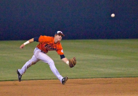 Keegan Dale comes in to get a lazy liner. (Photo: Shotgun Spratling)
