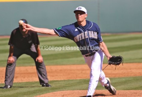 Matt Ternowchek throws a pitch.