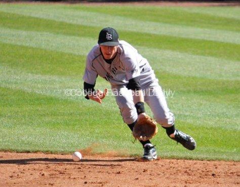 SS Matt Duffy makes a play behind second base.