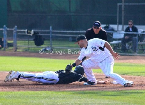Ino Patron nearly gets the tag in time. (Photo: Shotgun Spratling)