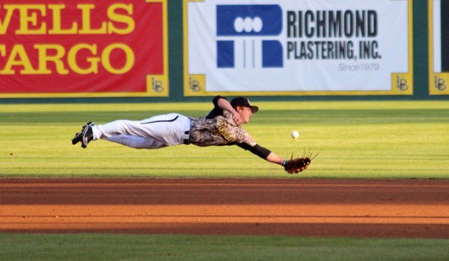 CBD Photo Gallery: Dirtbags Snap 6-Game Skid, Beat Shockers 4-1
