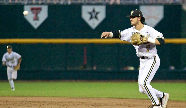 College World Series One-On-One: Vanderbilt 2B Dansby Swanson