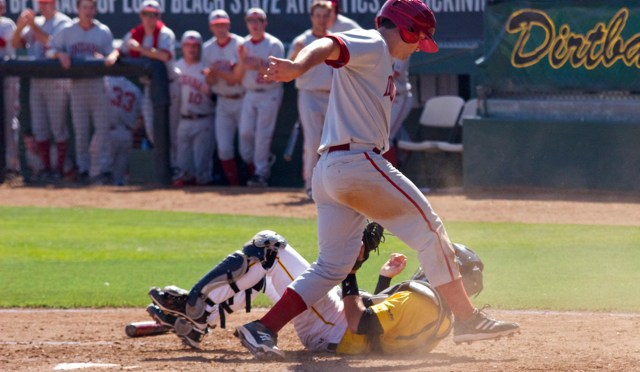 Hoosiers Scrap Out 11th Inning Win at Long Beach